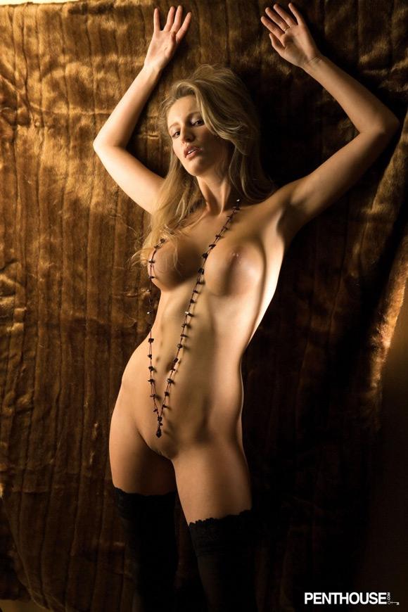 lenka-janistinova-naked-penthouse-girl