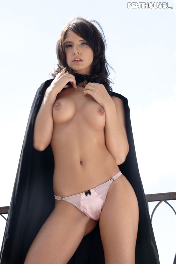 monika-vesela-naked-penthouse-girl