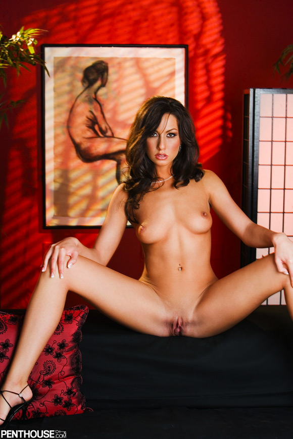 tiffany-brookes-naked-penthouse-girl-2