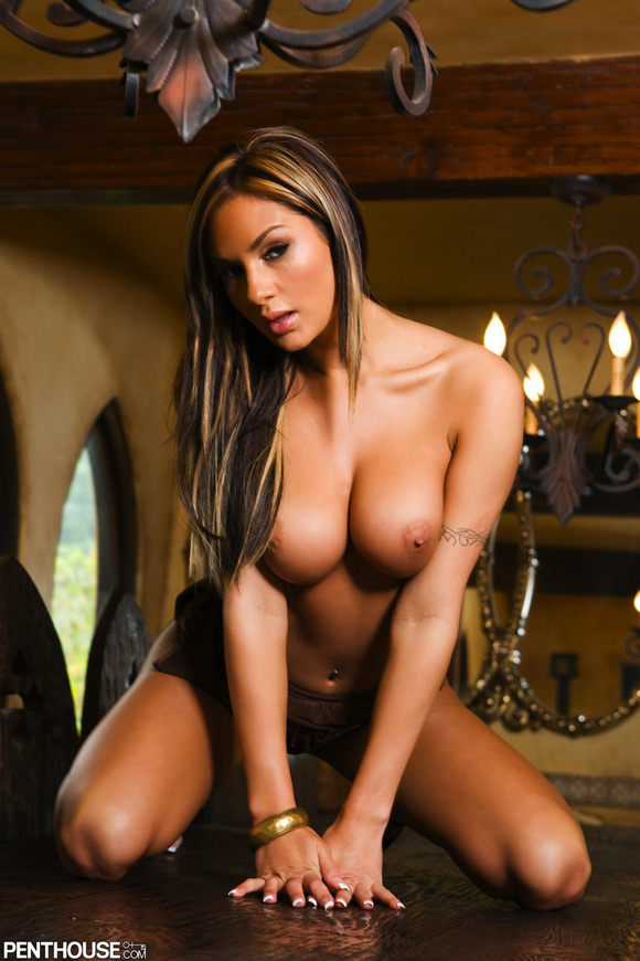 amy-ried-naked-penthouse-girl