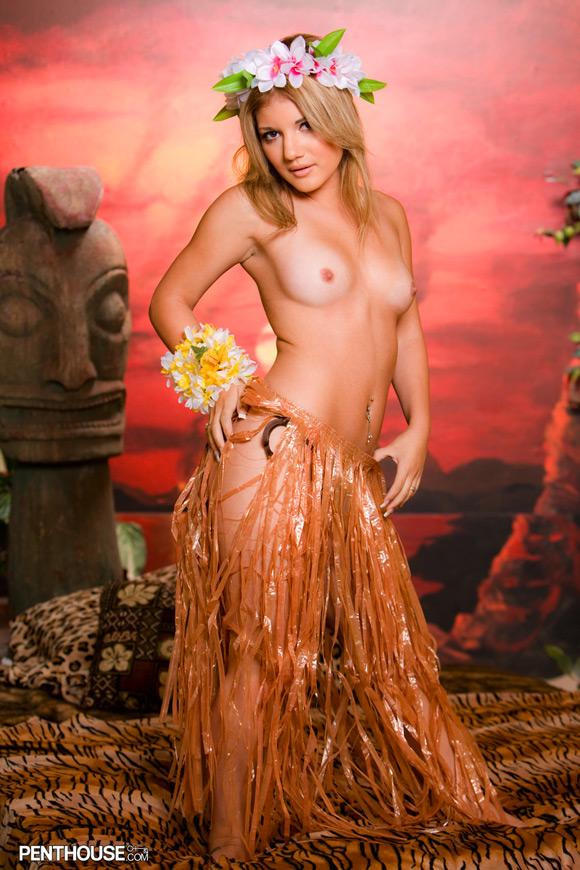 jamie-lamore-naked-penthouse-girl-2
