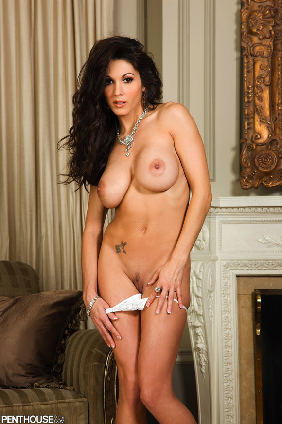 taya-parker-naked-penthouse-girl-10