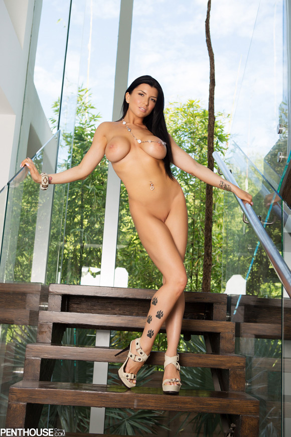 romi-rain-naked-penthouse-girl